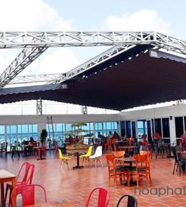 Mái xếp nhà hàng che nắng mưa Hòa Phát