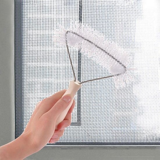 Cách-vệ-sinh-bảo-dưỡng-cửa-lưới-chống-muỗi-hiệu-quả